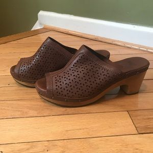 UGG wooden Clog Sandals Brown Perforated Leather